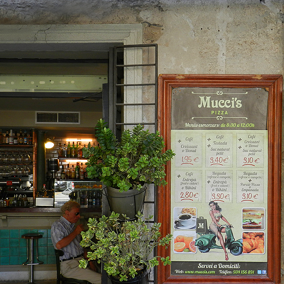 Mucci's Pizza - Universidad